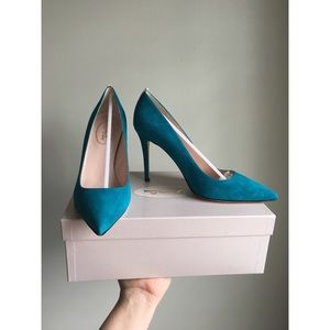 SJP Teal Pumps
